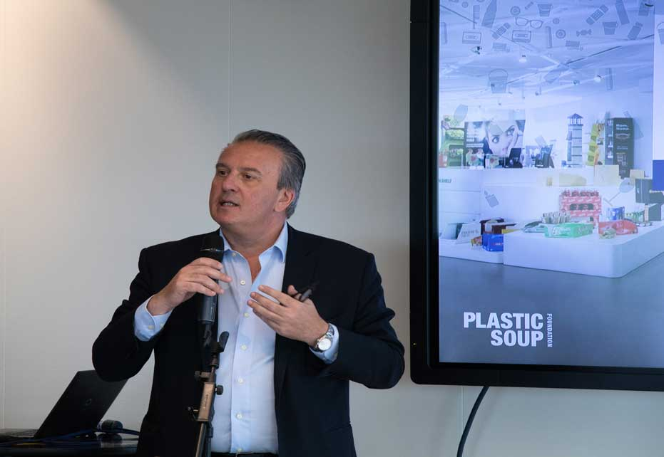 Saverio Mayer speaking at Plastic Soup event in GEC