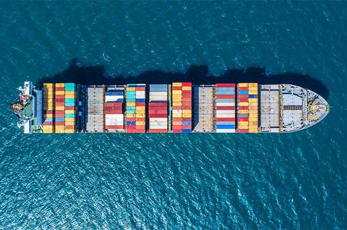 Schiff Logistik Palettencontainer