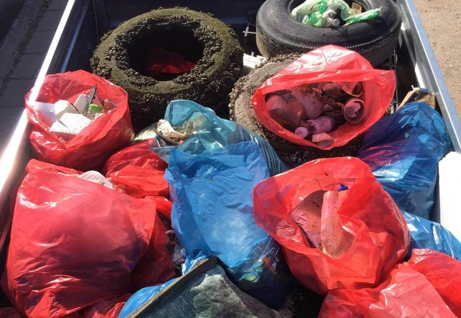 Smurfit Kappa Mitarbeiter befreien Ihre Umgebung vom Müll