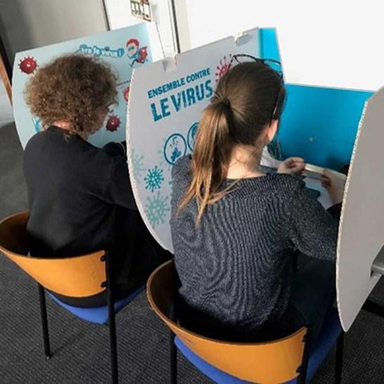 SafeShield-Student-Desk-Divider