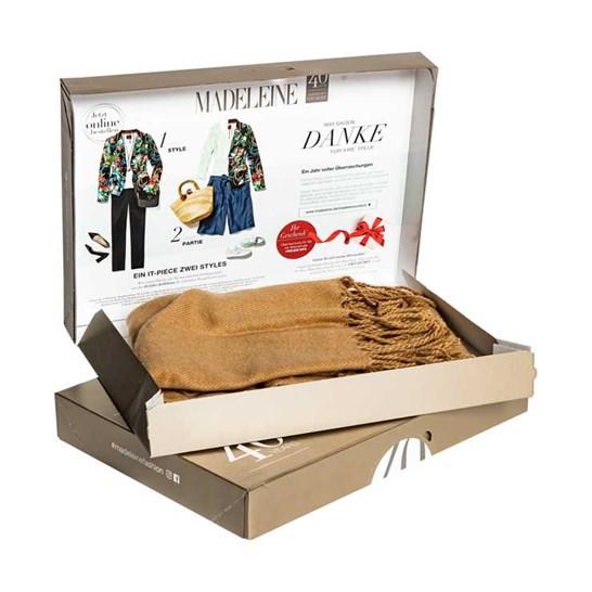 Pizza style postal packs